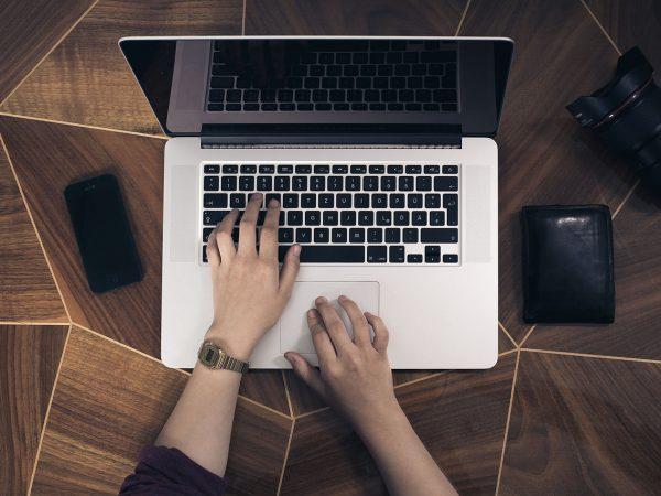 Jak wybrać dobrą firmę do usług komputerowych?